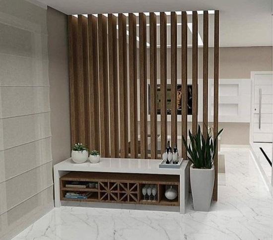 Perete despartitor din lemn