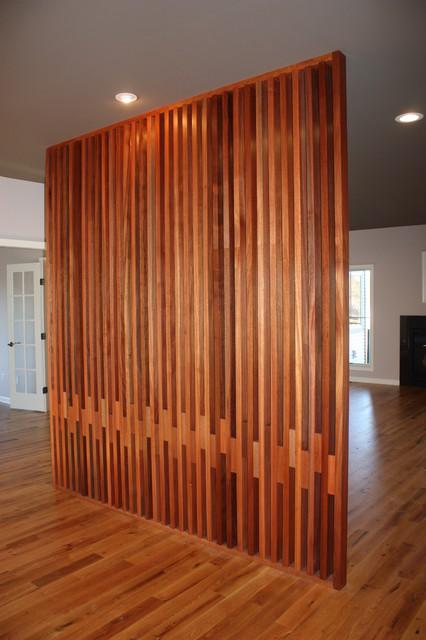 Perete lemn realizat pe comanda
